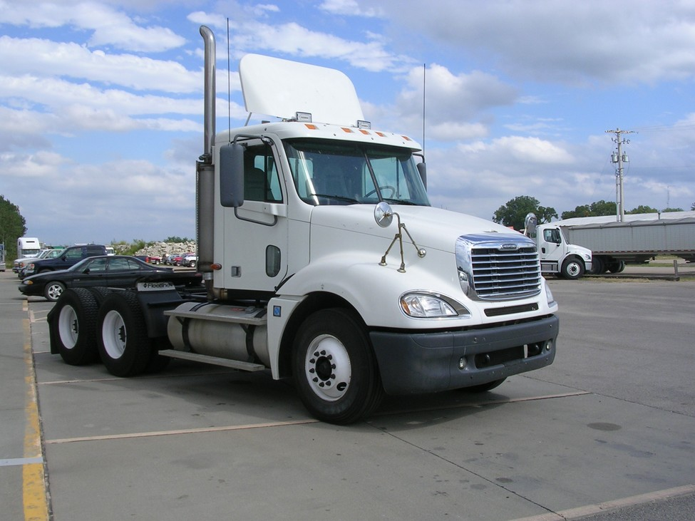 Used Trucks For Sale In Iowa >> 2004 Freightliner Columbia CL120 StockNum: OG2502 ...