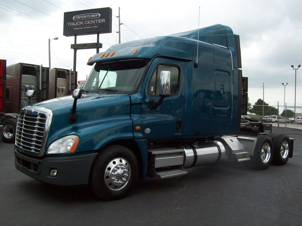 Used 2010 Freightliner CA125 for Sale! : Truck Center Companies