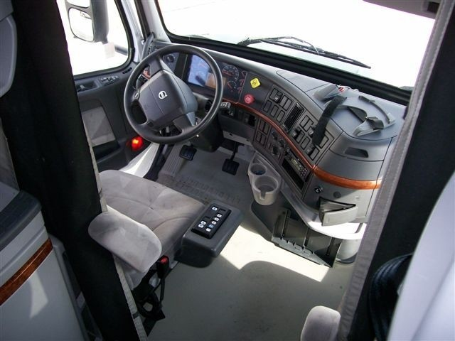 Volvo 670 Truck Interior Pictures To Pin On Pinterest Pinsdaddy