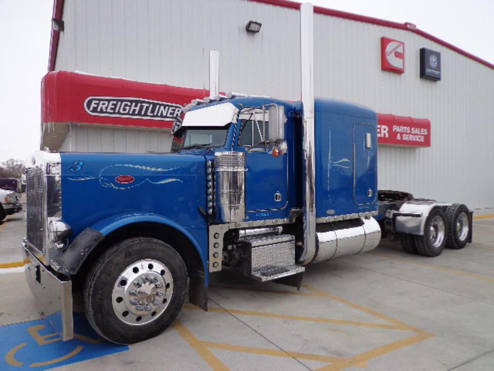Trucks For Sale In Iowa >> Used 1999 Peterbilt 379 for Sale! : Truck Center Companies ...