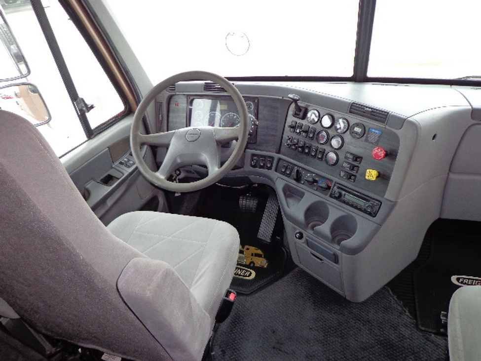 Used 2005 freightliner cl120 for sale truck center - 2007 freightliner columbia interior ...