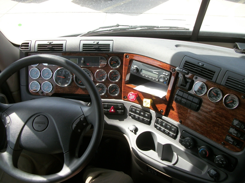 Pin Freightliner Cascadia Interior Collection 14 Wallpapers