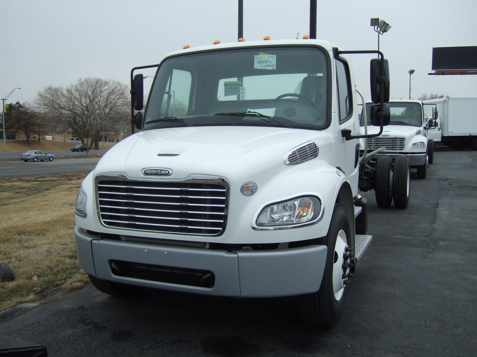 New 2015 Freightliner M2 106 For Sale    Truck Center