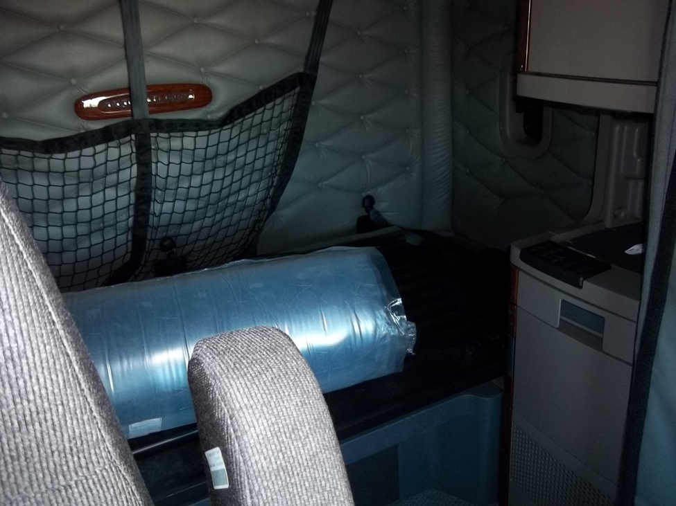 Freightliner Cascadia Cab Curtains Freightliner Cascadia Horn