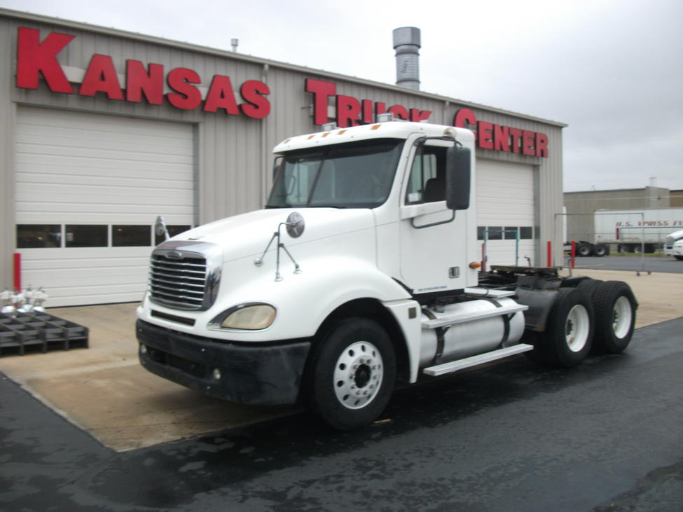 Used 2004 Freightliner CL120 for Sale! : Truck Center